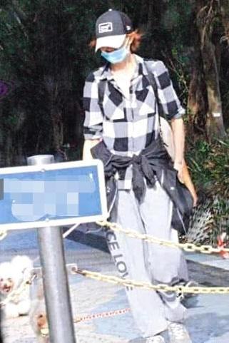 Truyền thông lo sợ Trương Mạn Ngọc trở thành Lam Khiết Anh thứ 2 khi tính cách càng ngày càng quái gở - Ảnh 4.
