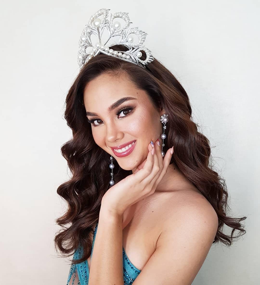 Sự cố hi hữu trong lịch sử Miss Universe: Đang diễu hành, Hoa hậu làm vỡ vương miện 6 tỉ và phản ứng bất ngờ sau đó - Ảnh 2.