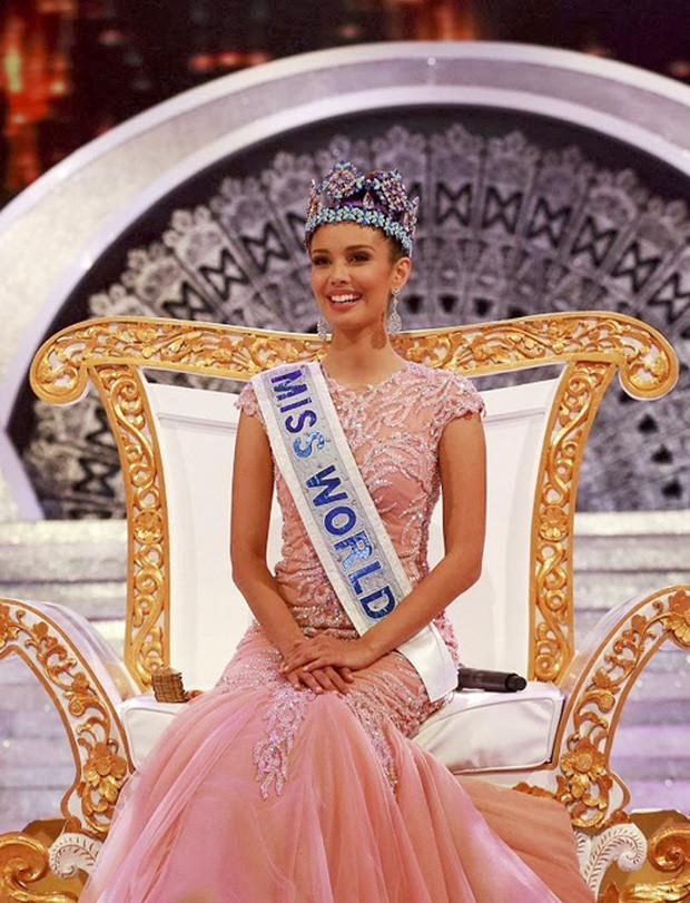 Hoa hậu thế giới đẹp nhất mọi thời đại Megan Young kết hôn sau 9 năm hẹn hò, nhan sắc chú rể tài tử gây chú ý lớn - Ảnh 8.