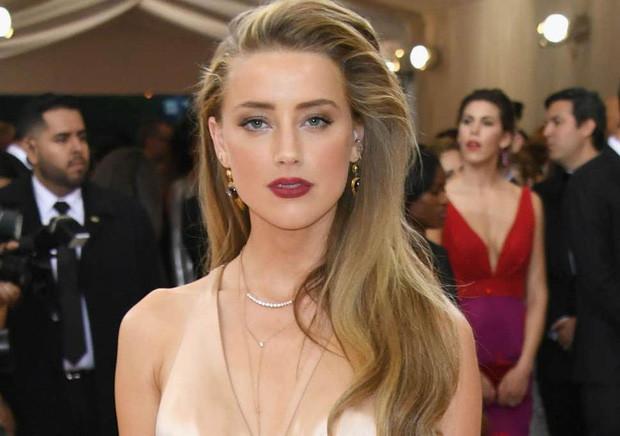 Amber Heard và Johnny Depp: Cuộc hôn nhân phim giả tình thật biến thành drama bạo hành, đào mỏ không hồi kết - Ảnh 12.