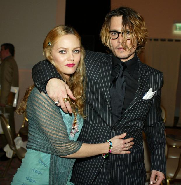 Amber Heard và Johnny Depp: Cuộc hôn nhân phim giả tình thật biến thành drama bạo hành, đào mỏ không hồi kết - Ảnh 2.