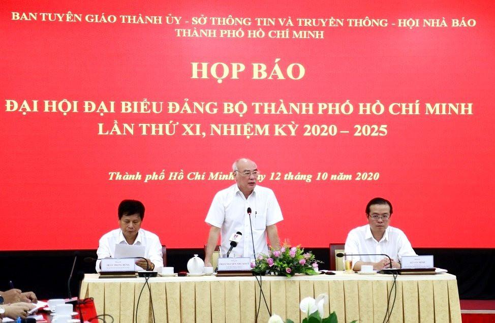 ong-phan-nguyen-nhu-khue-hop-bao-1.jpg