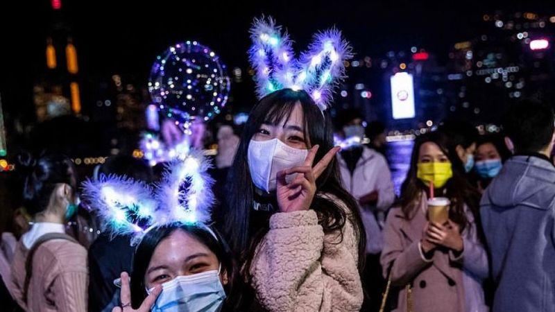 Không khí đón năm mới 2021 trái ngược nhau ở châu Á
