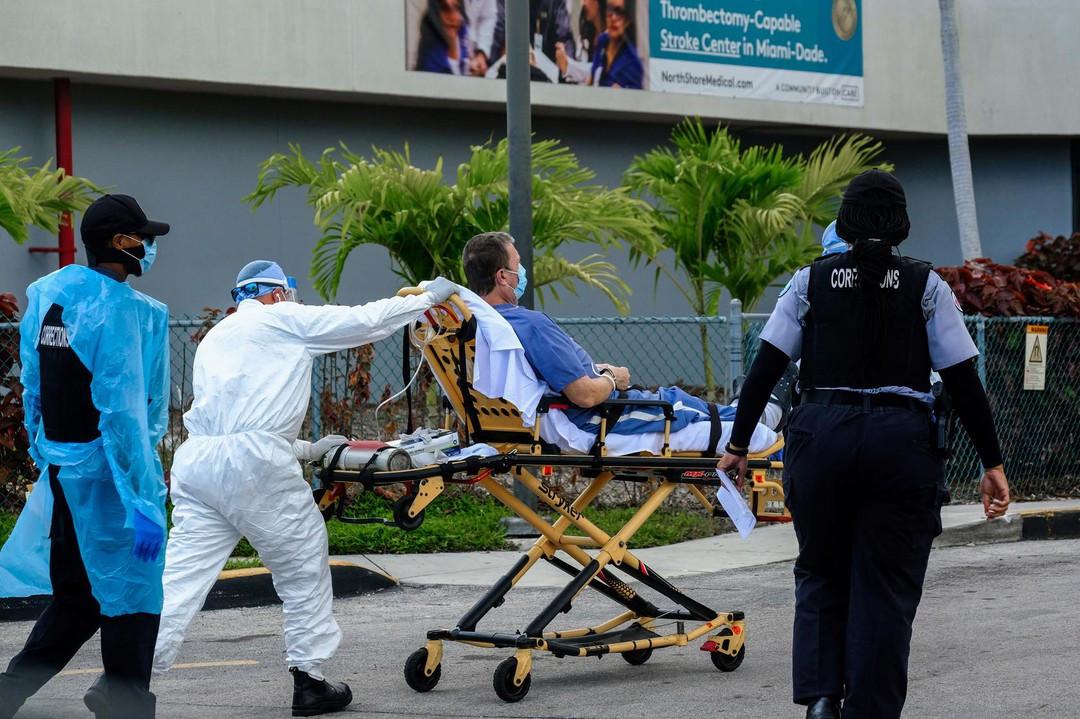 Một bệnh nhân Covid-19 tại Florida, Mỹ /// Reuters