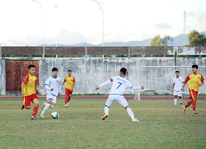 Nhiều trận đại chiến ở lượt trận thứ 2 vòng loại giải bóng đá U.19 quốc gia - ảnh 2