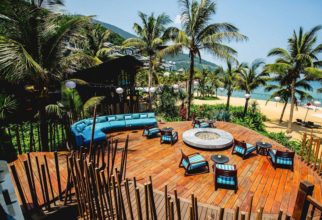 nha-hang-barefoot-trong-intercontinental-danang-sun-peninsula-resort.jpg