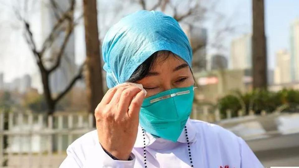 chuyen-gia-nguoi-viet-cung-phai-doan-who-gap-bac-si-dau-tien-bao-cao-cororonavirus-o-vu-han12.jpg