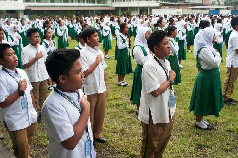 filippine_-_0310_-_vescovi_filippini_contro_proposta_del_governo_di_tassare_gli_istituti_scolastici_religiosi_.jpg