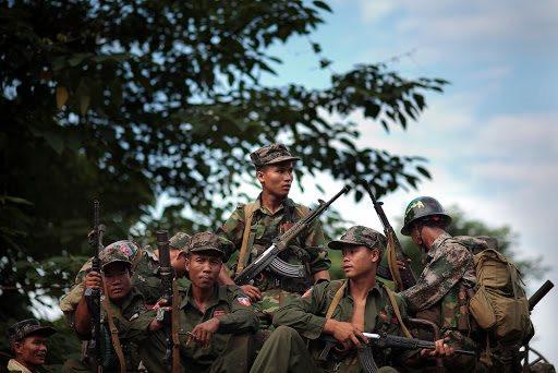 quan-doi-doc-lap-kachin-tan-cong-don-canh-sat-myanmar.jpg