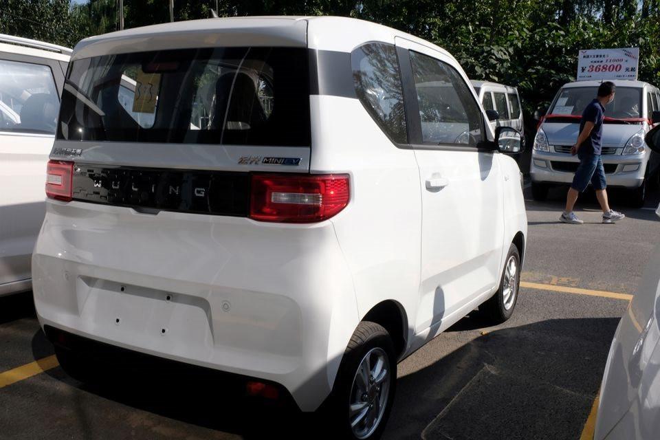 vo-doi-ve-xe-hybrid-toyota-gian-nan-khi-lam-o-to-dien-gia-thap-canh-tranh-o-trung-quoc.jpg
