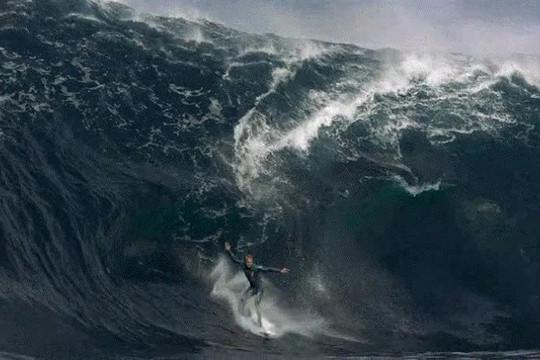 Màn lướt sóng ấn tượng nhất lịch sử