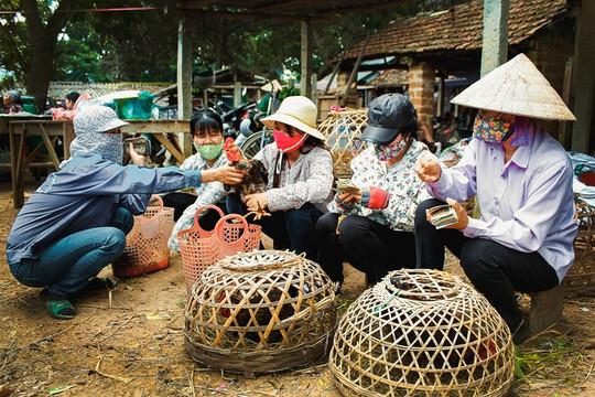 Hoài niệm ngày xưa cũ ở chợ quê giữa lòng Hà Nội