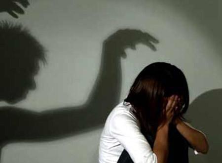 Công an điều tra vụ thiếu nữ 15 tuổi trong căn chòi tội lỗi với 3 trai làng