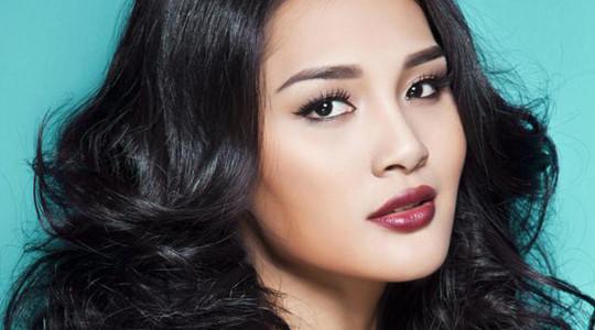 Hương Giang ngồi ghế nóng Hoa hậu Hoàn vũ 2015