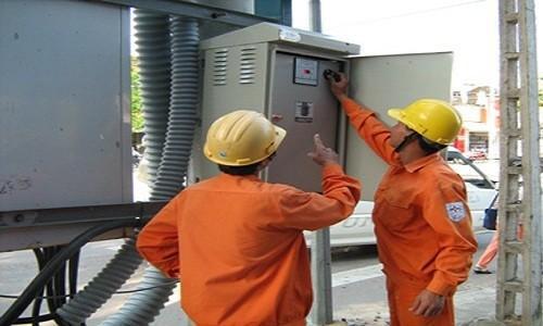 Dù khô hạn nặng, EVN vẫn cam kết cung cấp đủ điện trong tháng 5