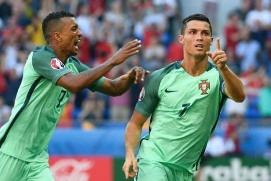Bồ Đào Nha sẽ phá dớp thắng Pháp, Ronaldo an ủi cầu thủ Man United