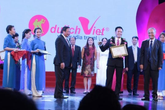 Đạt danh hiệu Công ty du lịch hàng đầu VN, Du lịch Việt giảm giá tour cực sốc