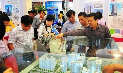 Các doanh nghiệp bất động sản đổ xô tham dự triển lãm tại Hà Nội để giới thiệu sản phẩm