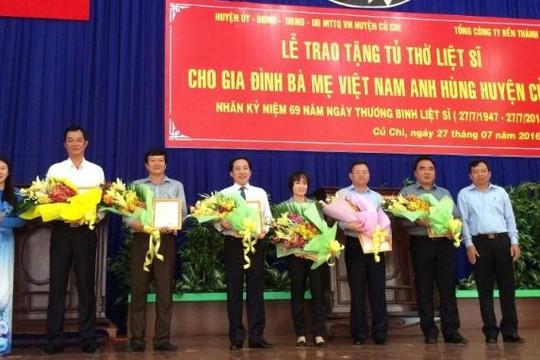 Trao tặng 50 tủ thờ cho các gia đình liệt sĩ trên địa bàn huyện Củ Chi