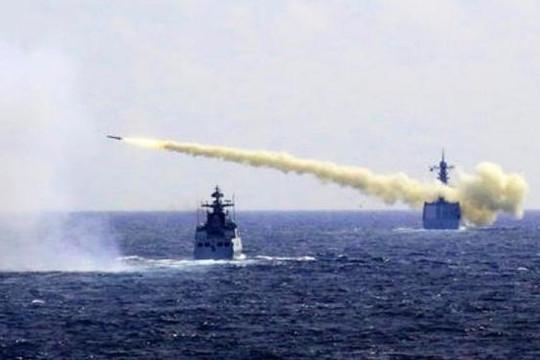 Trung Quốc tập trận rầm rộ trên biển Hoa Đông theo kịch bản 'chiến tranh bạo liệt'