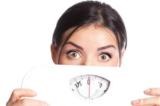 Thói quen ăn uống khiến tăng cân không kiểm soát