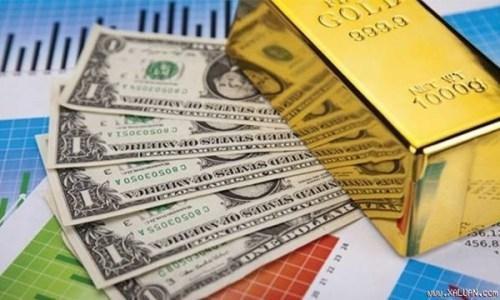 Chứng khoán ngập đỏ, USD rớt giá, vàng vượt mốc 37 triệu đồng/lượng