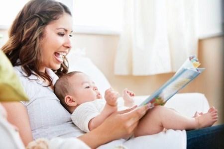 10 dấu hiệu nhận biết trẻ thông minh từ khi mới ra đời