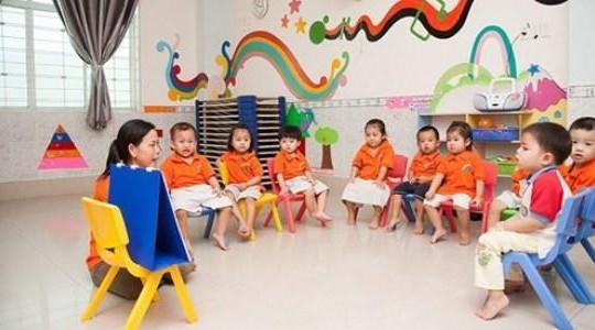 Giáo viên mầm non giữ trẻ ngoài giờ được trả 33.000 đồng/giờ
