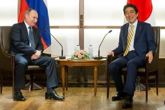 Tổng thống Putin và Thủ tướng Abe gặp riêng bàn chuyện lãnh thổ