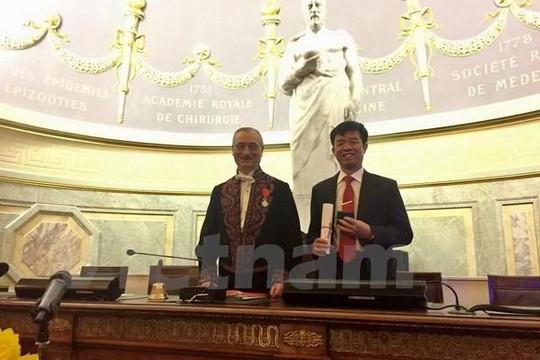 Người Việt đầu tiên được phong Viện sĩ Viện Hàn lâm y học Pháp