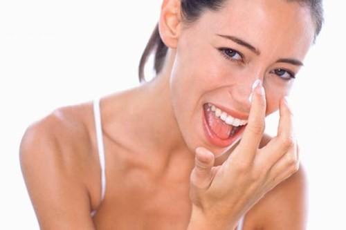 Trị mụn bằng kem đánh răng, siêu hiệu quả