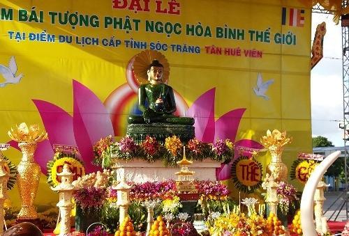 Tượng Phật Ngọc hòa bình thế giới đến Sóc Trăng
