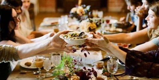 Dở khóc dở cười chuyện dâu, rể Tây ăn tết Việt