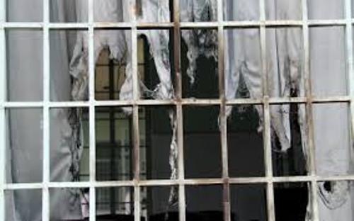 Bạc Liêu: Phạm nhân phá cửa phòng tạm giam bỏ trốn