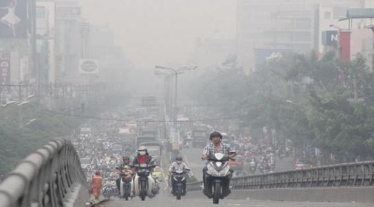Lượng bụi trong không khí ở Hà Nội cao gấp đôi quy chuẩn quốc gia