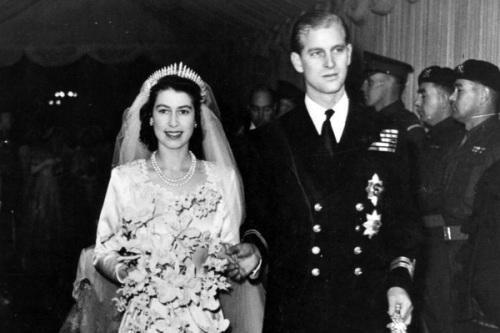 Những cuộc hôn nhân hoàng gia bất chấp khoảng cách địa vị
