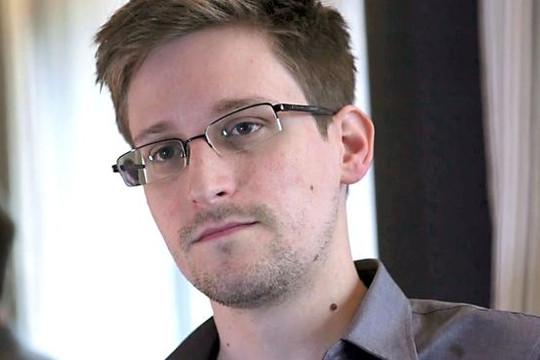 Báo Mỹ: Nga sắp trao Edward Snowden như món quà cho ông Trump