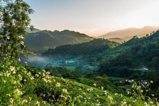 Khám phá cuộc sống bình dị và cảnh đẹp miền biên viễn Cao Bằng