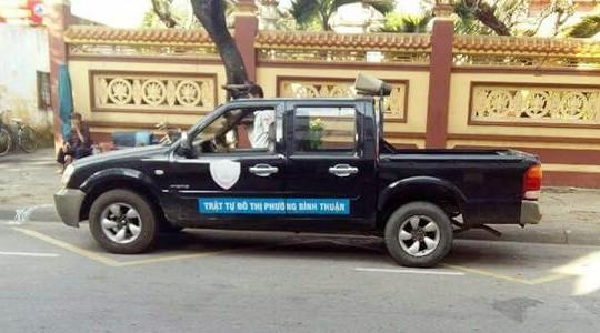 CSGT Đà Nẵng phạt nặng xe quy tắc đô thị đậu nghênh ngang
