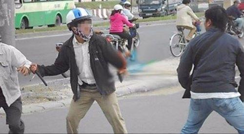 Can ngăn đánh nhau, 2 người đàn ông gặp nạn
