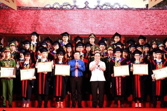 25 thủ khoa xuất sắc được Hà Nội tuyển thẳng công chức