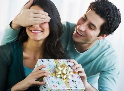 Gợi ý những món quà khiến nàng bất ngờ trong ngày 8.3