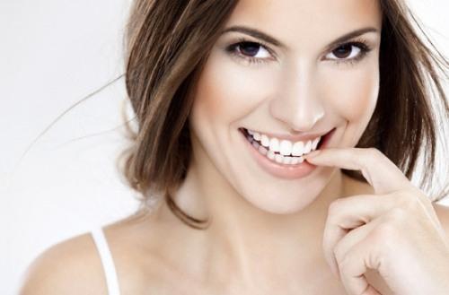 Cách đơn giản để có hàm răng trắng sáng ngay tại nhà
