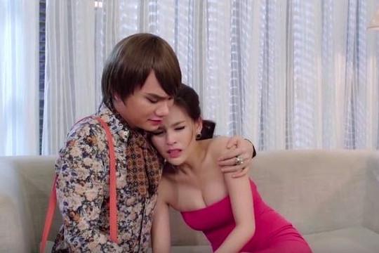 Khắc Việt giả gay để gần gũi hot girl siêu vòng 1, Hoàng Bách đi guốc cao gót nhảy flashmob