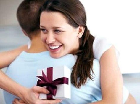 Đàn bà đích thực không thích nhận quà 8.3 theo phong trào