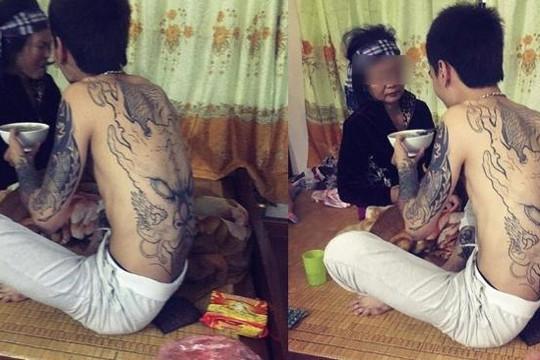 Tâm sự nghẹn ngào về chữ hiếu của thanh niên xăm đầy người ở Hà Nội