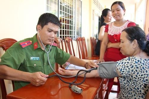 Cần Thơ: Khám, chữa bệnh miễn phí cho 500 người tại Thới Lai