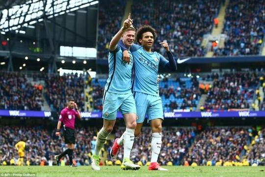 Man City leo lên thứ 3, hun lửa trận đại chiến của Man Utd