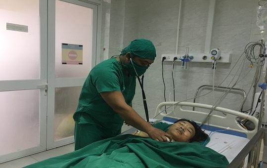 Cứu một thanh niên 'vô danh' bị đâm thủng tim, phổi