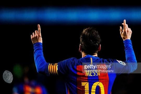 Không đủ tiền trả lương, Lionel Messi sẽ rời Barcelona?